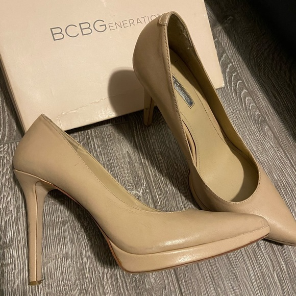 BC LONDON POINTED TOE PUMPS